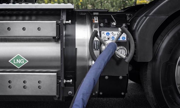 3-Volvo-LNG-3-59ed189445082-59ed18944572c.jpg