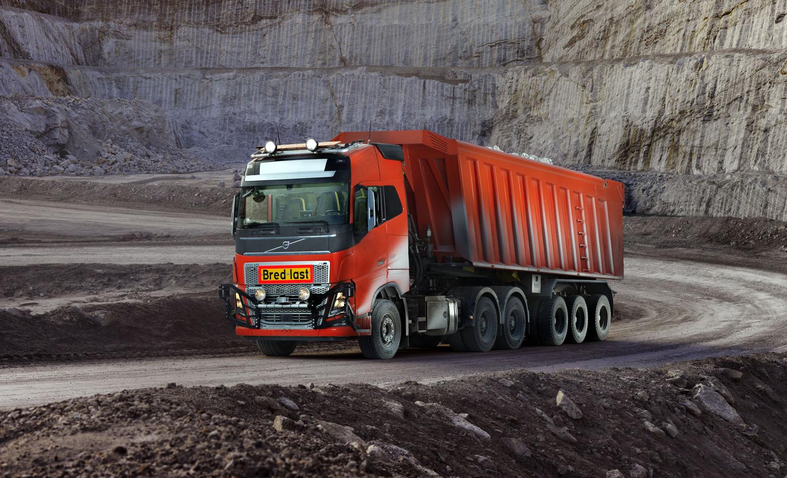 Volvo FH16 autonomno prevozi materijal