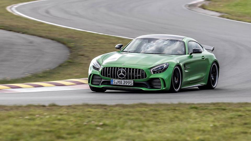 Z zeleno pošastjo po malem Nürburgringu