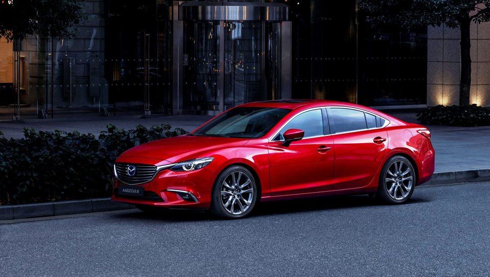 Mazda s strategijo pogostih prenov, že druga za šestico