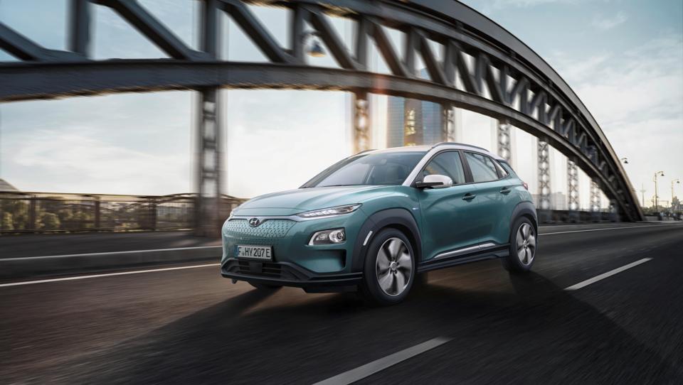 Hyundai predstavil električni SUV z dosegom skoraj 500 kilometrov