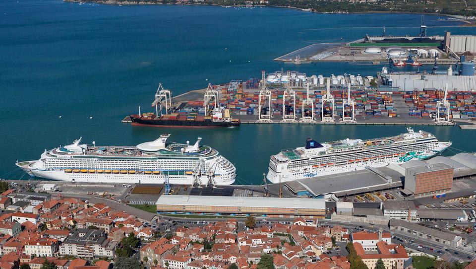 Mednarodna pomorska organizacija gre nad izpuste žvepla v ladijskem...