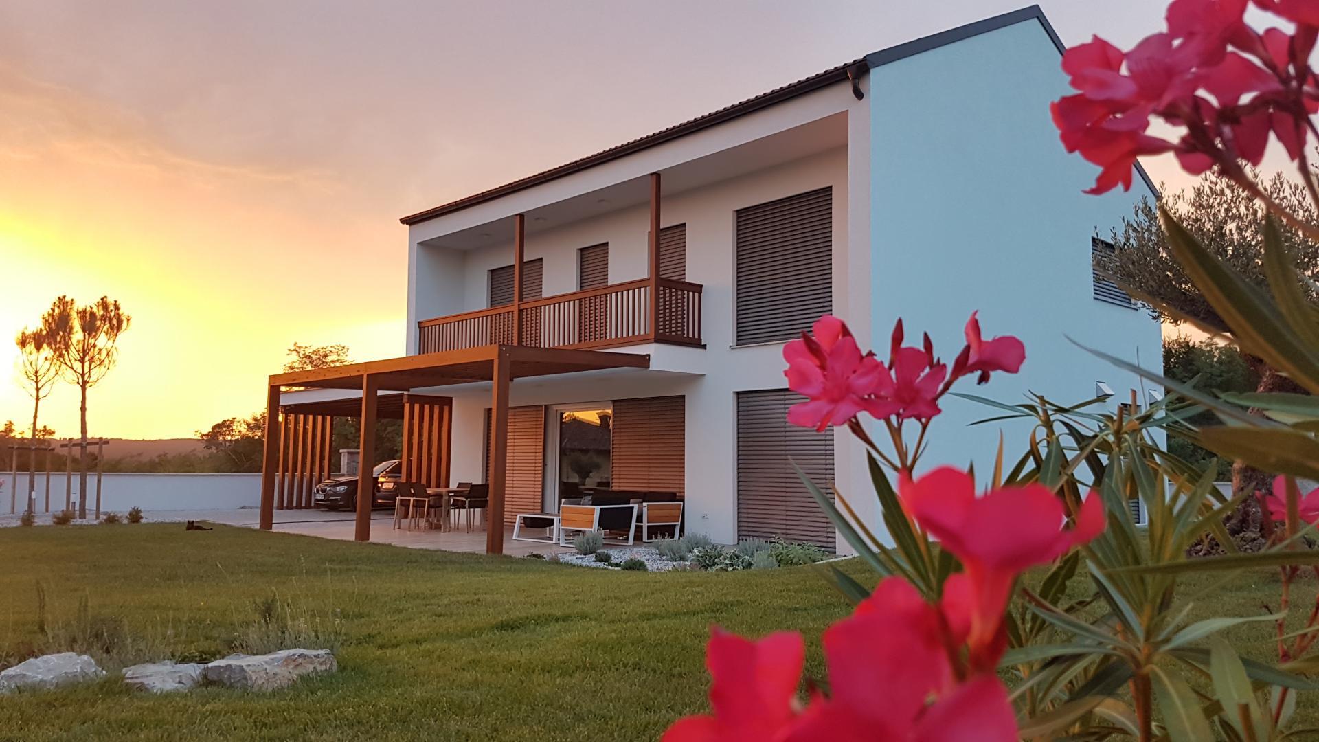 Lumar bo v Opatjem selu predstavil skoraj ničenergijsko hišo Urbano