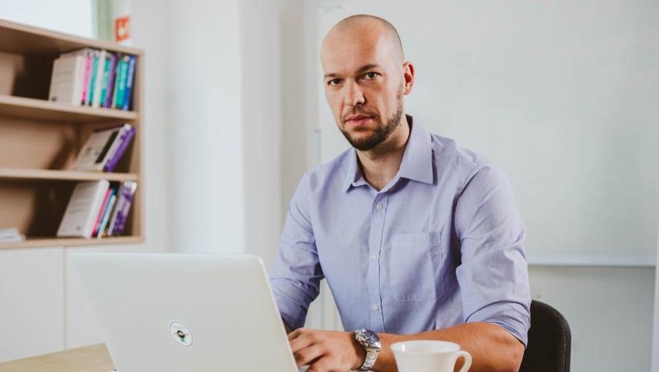 Je menjava kariere res mogoča? Kako je Lovro šel od selilca do programerja.