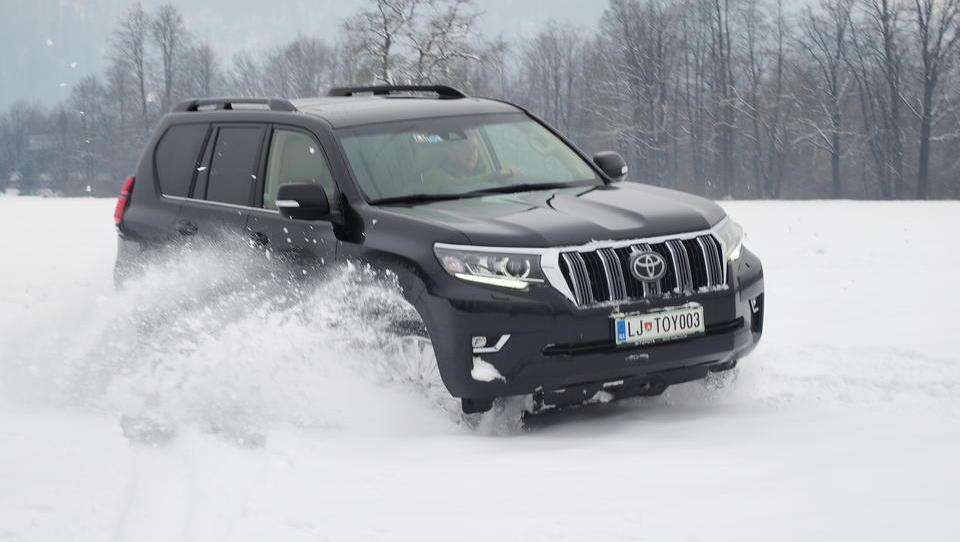 Avstrijci spet veliki zmagovalci mega razpisa MORS za skoraj 400 vozil