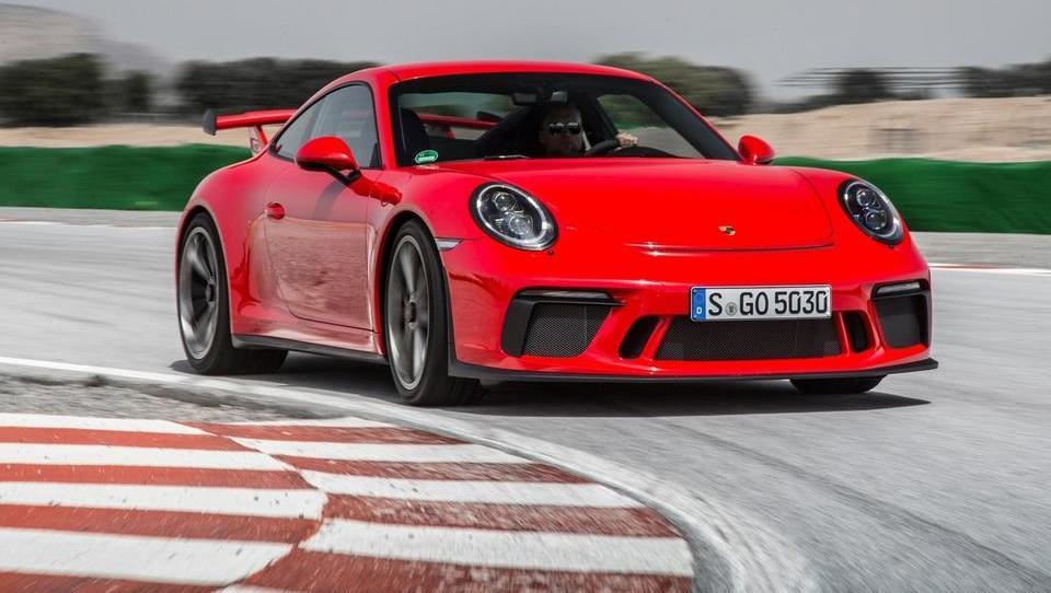 TOP 10 najdražjih avtomobilov Slovencev v letu 2017