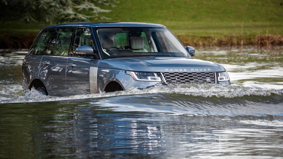 Range Rover P400e: je angleški orjak žrtev ali zmagovalec elektrifikacije?
