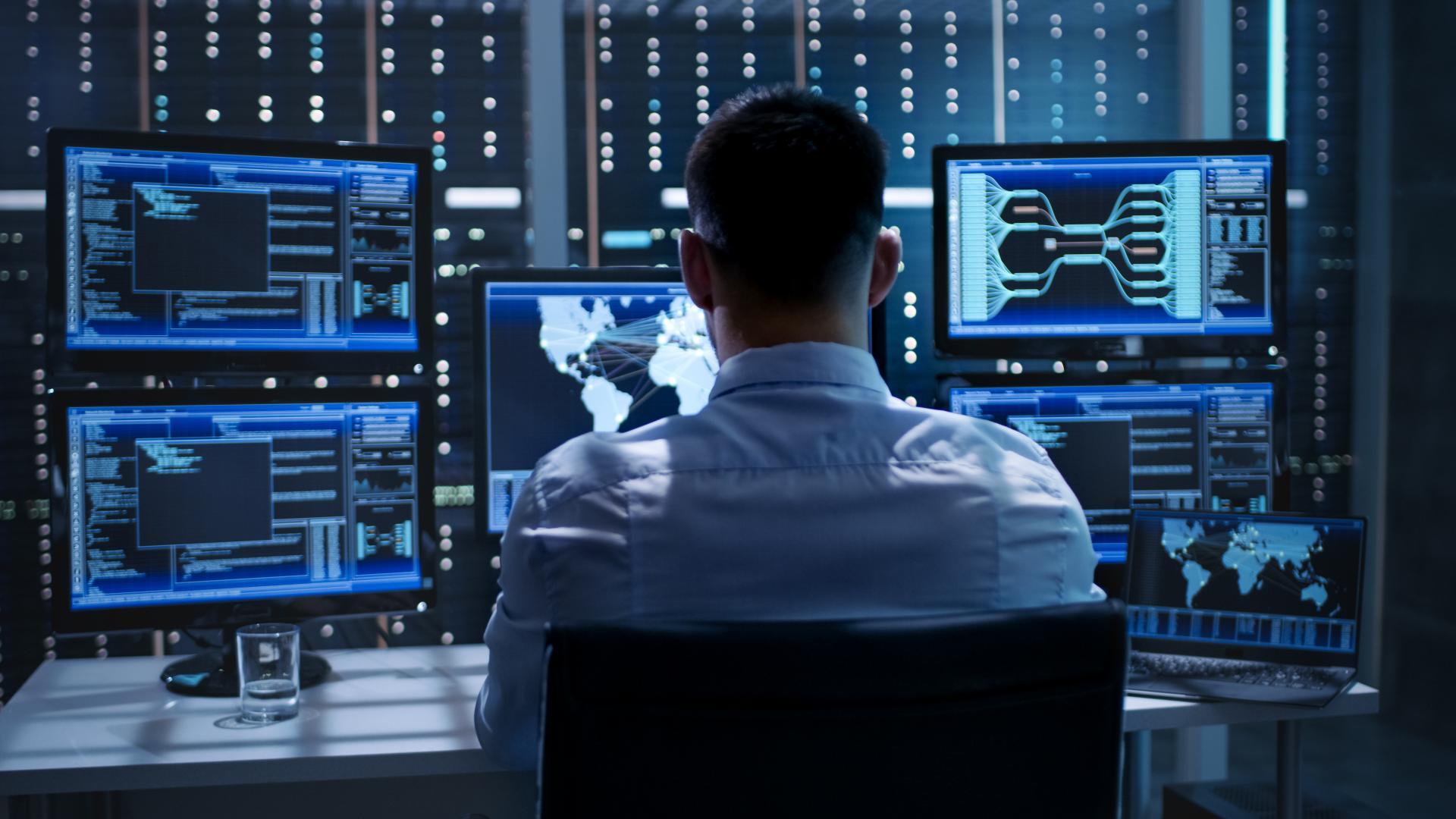 (Anketa) S čim imajo največ dela varnostno operativni centri