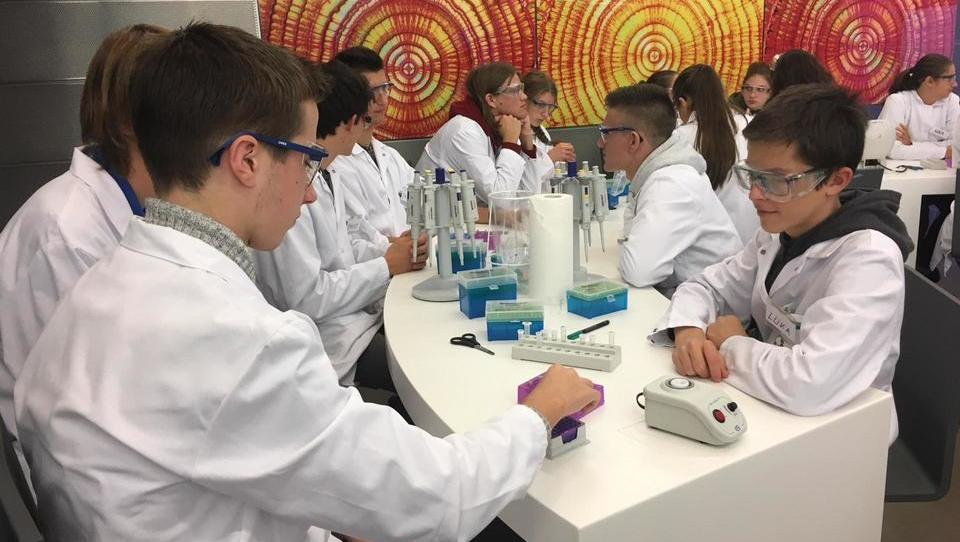Otrokom želijo približati znanost