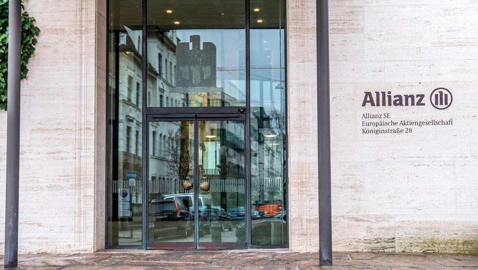 Allianz v drugem četrtletju z načrtovano rastjo