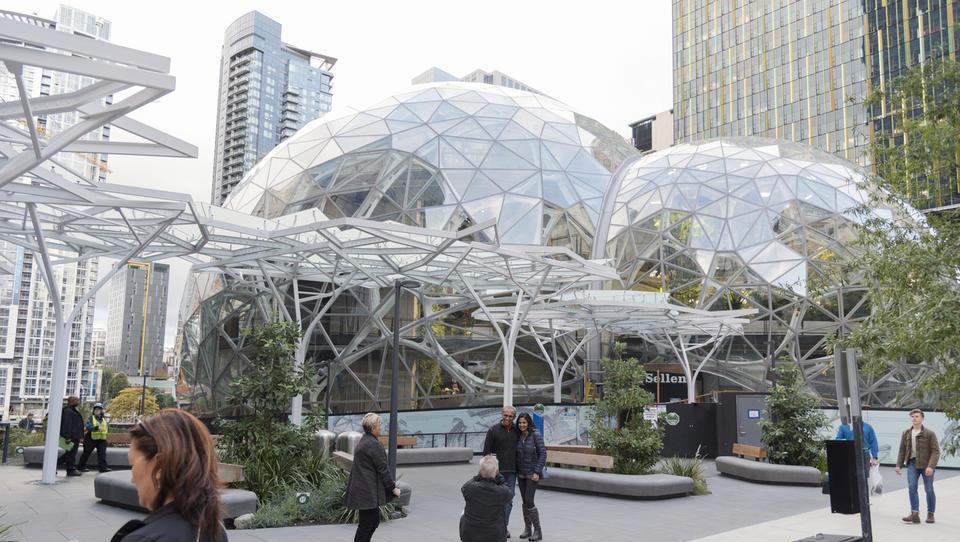 Amazon je dobil 238 ponudb s spodbudami za petmilijardno naložbo