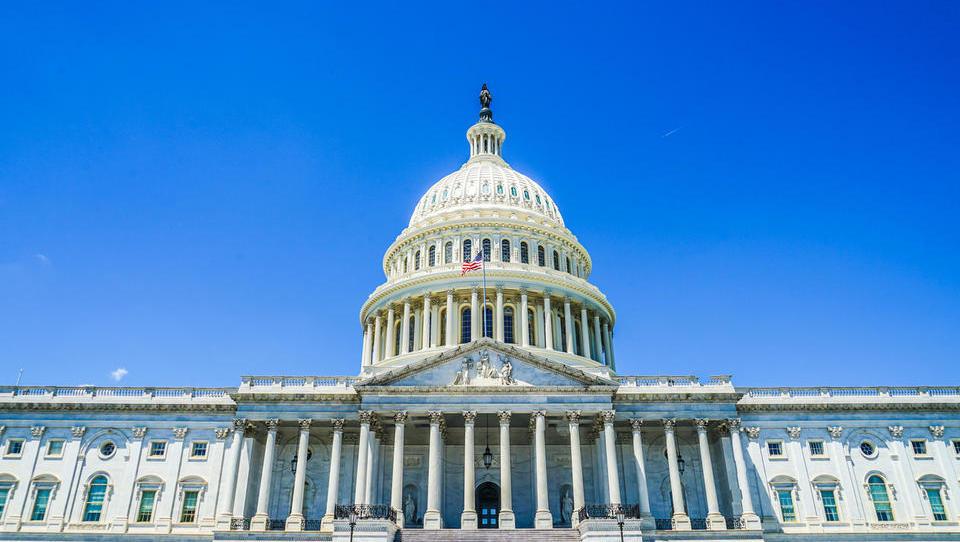 Kaj ameriški volilni izid pomeni za tečaj dolarja, trgovinske spore in ameriško rast?