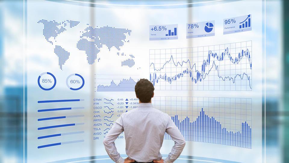 Implementacija rešitev poslovnega obveščanja prvenstveno ni...