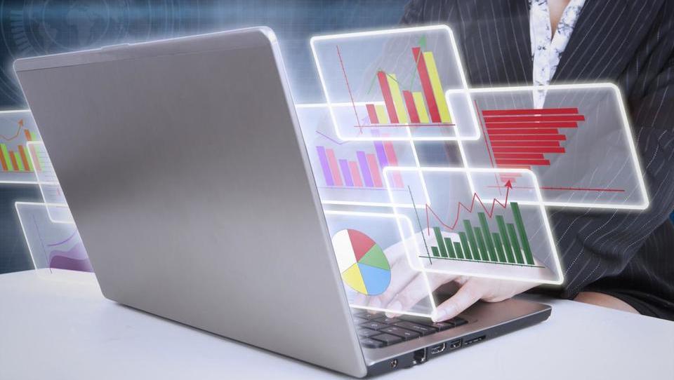 Najpodjetniška ideja: Virtualna asistentka, ki namesto vas plačuje račune