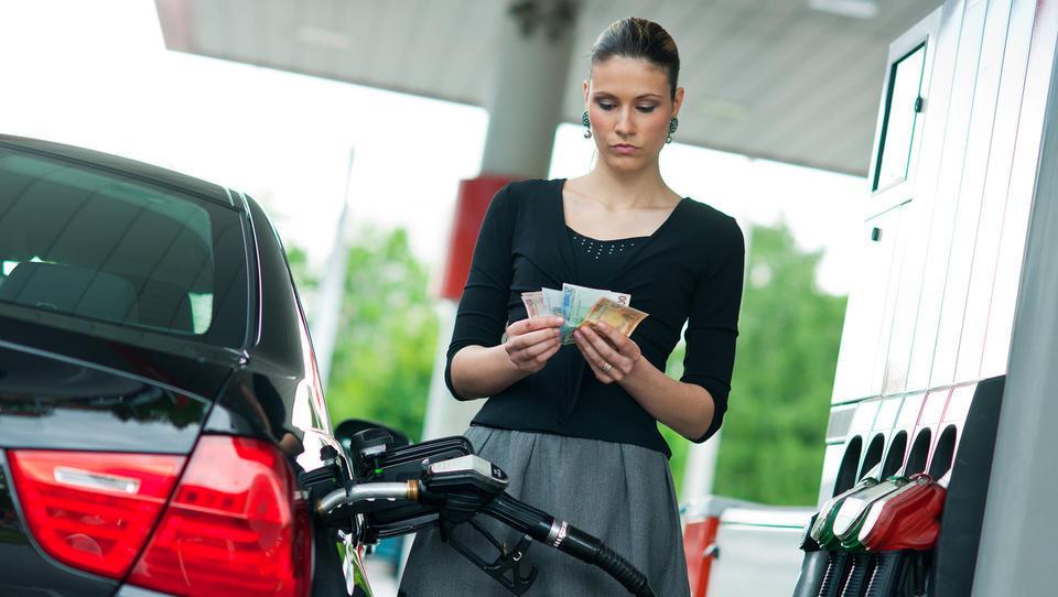 Dizelsko gorivo od jutri dražje za 2,1 centa, 95-oktanski bencin za 0,7 centa