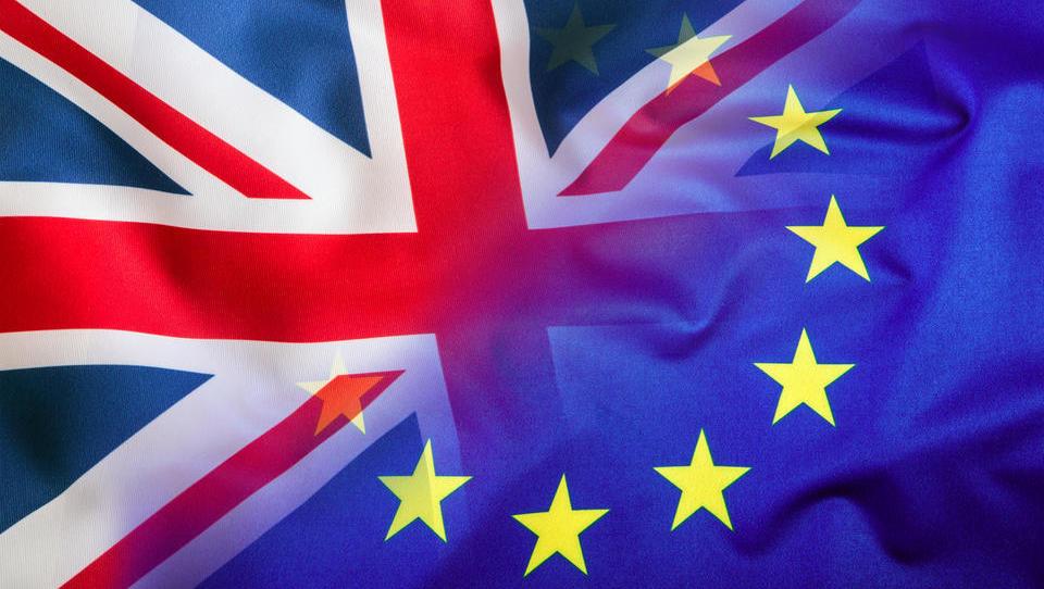 Generalni pravobranilec predlaga ECJ, naj odloči, da VB sme enostransko preklicati postopek za brexit