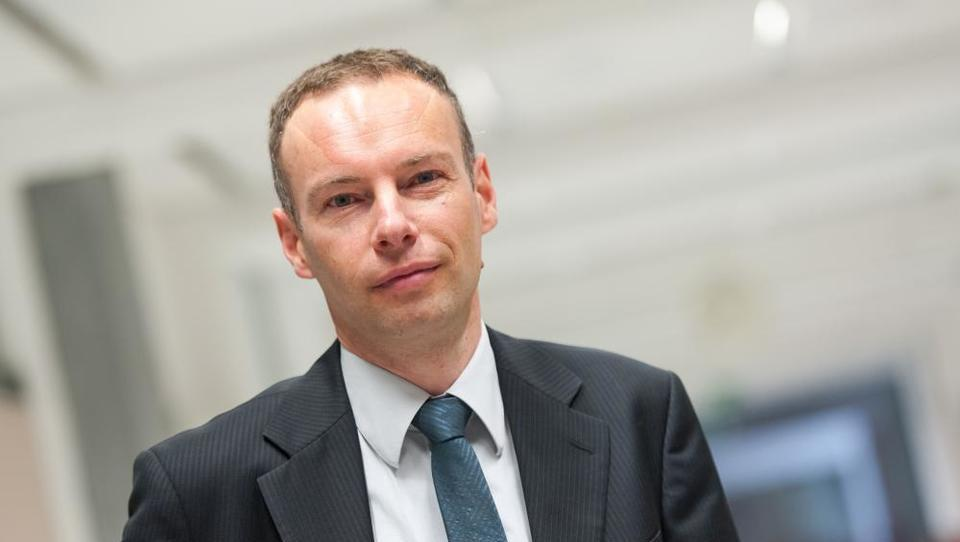 Kdo je delal mnenje, da je za Telekom koristna poravnava s T-2 za 50 milijonov evrov