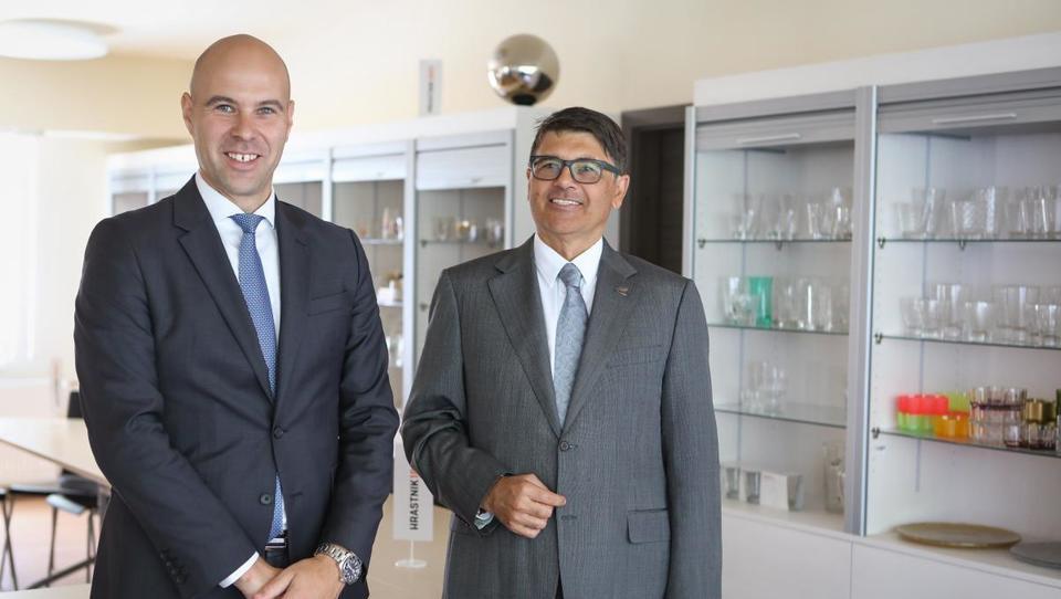 Steklarna Hrastnik letos do rekordnih 10 milijonov evrov dobička