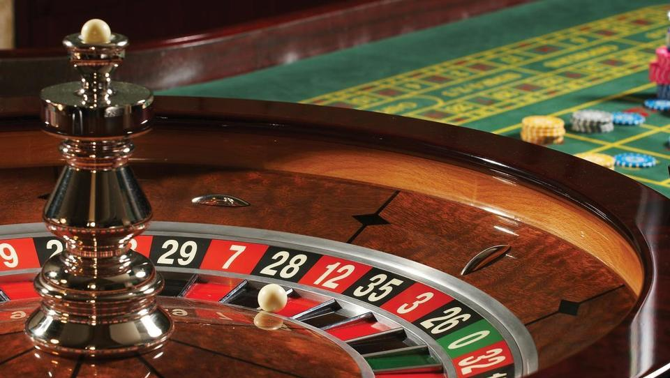Analiza: minulo desetletje je igralnicam odgriznilo tretjino prihodkov