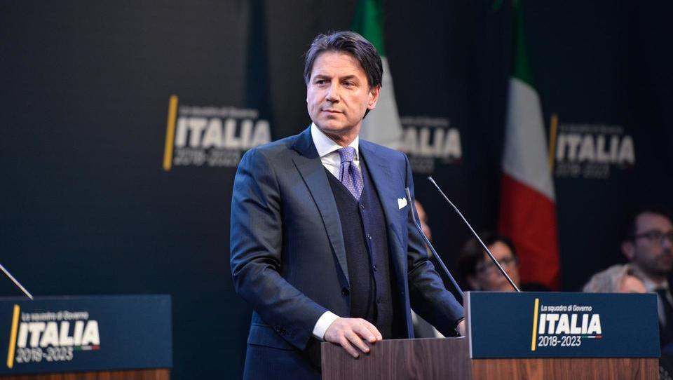 Italija z novo vlado pod vodstvom pravnika Giuseppeja Conteja