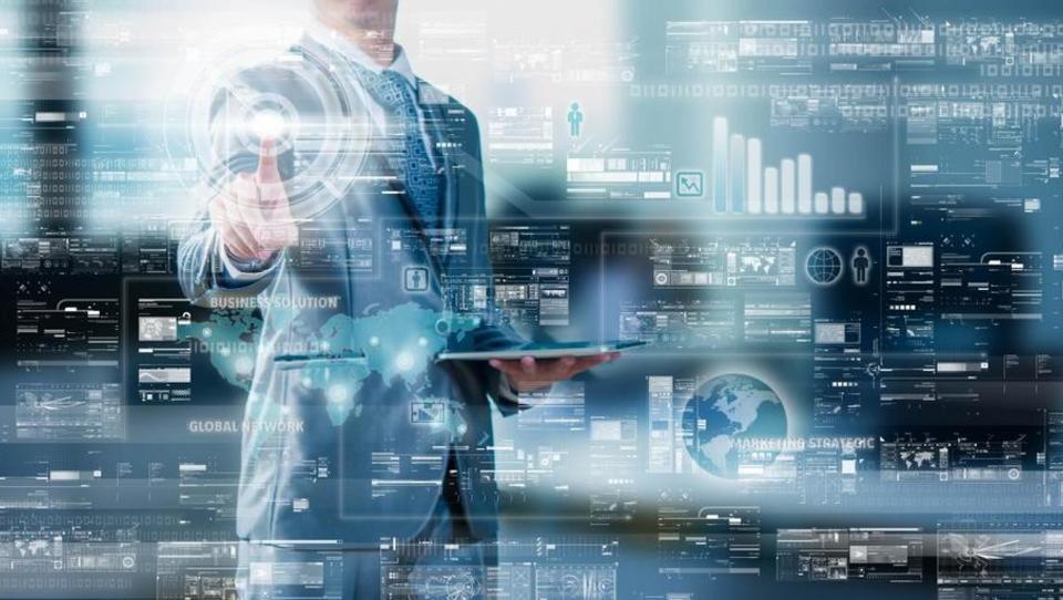 Kako se lotiti vzpostavitve digitalizacije poslovanja med poslovnimi...