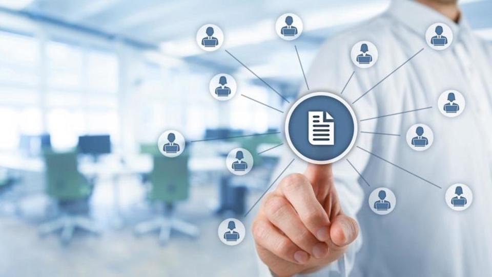 Glavni razlog za uvedbo dokumentnih sistemov je večja urejenost...