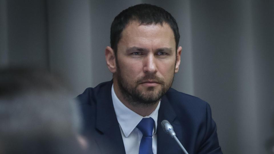 Pahor za guvernerja Banke Slovenije predlagal Primoža Dolenca