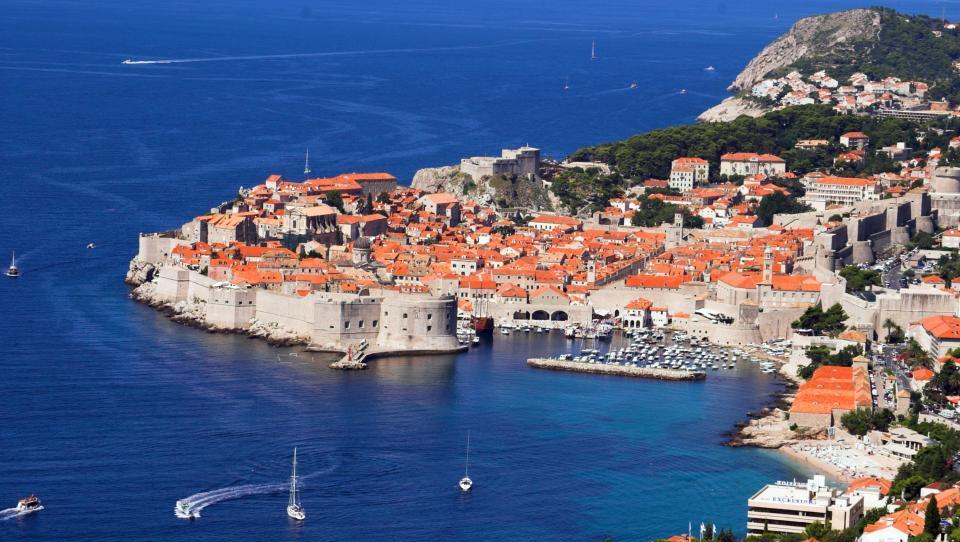 Jutarnji list: Hrvaška ostreje nad najemodajalce na Airbnb in Booking. Ciljajo na več pobranega davka