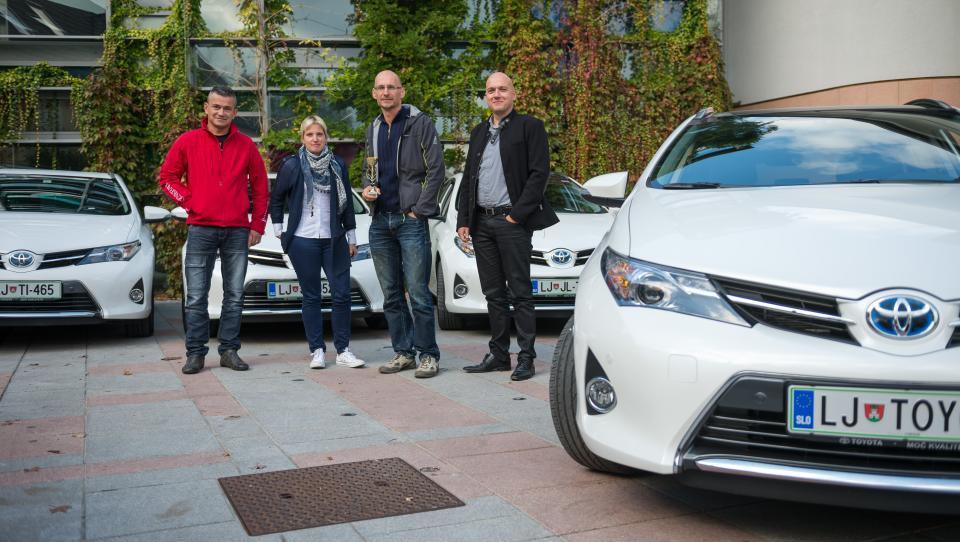 S Toyotinimi hibridi so v prometu premagali laboratorijske meritve