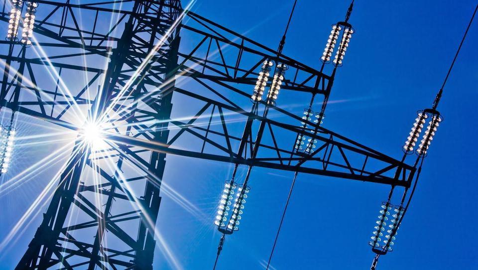 V Sloveniji junija večja poraba in manjša proizvodnja elektrike