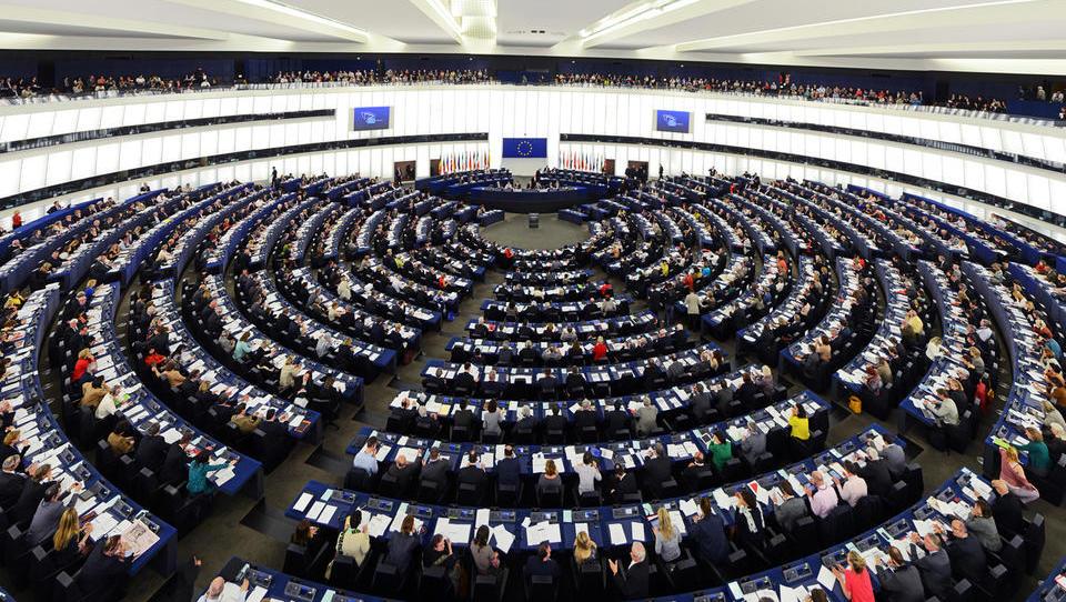 Koliko se bo po brexitu skrčil evropski parlament?