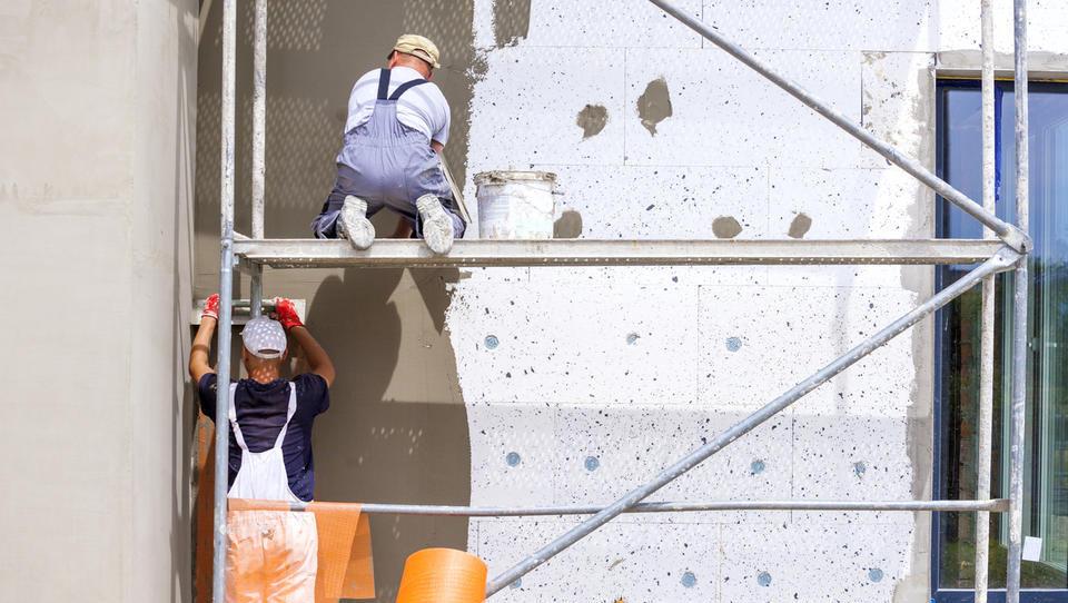Izolacija fasade: kje lahko dobite subvencijo in koliko energije prihranite z obnovo