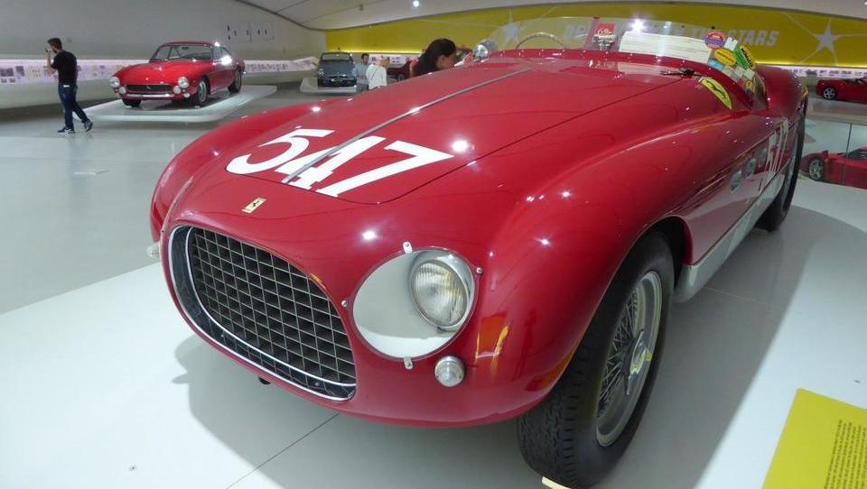 Ferrari – 70-letnik, ki je za vedno zaznamoval avtomobilske dirke