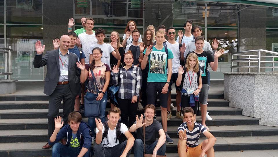 Mit je razbit: Ni res, da mladih finance ne zanimajo