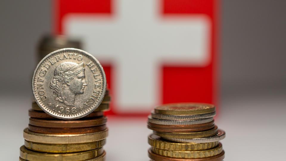 Razkrivamo depešo MZZ: niti člani švicarske vlade naj ne bi bili seznanjeni z odločitvijo centralne banke