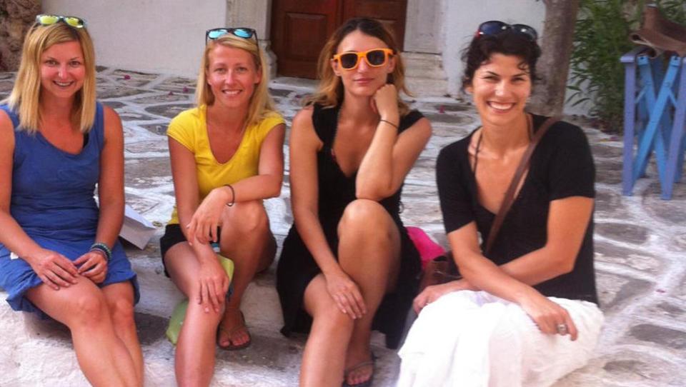 Kako 4 mamice poleg redne službe služijo dodatne evre