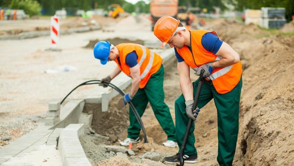 V prvem polletju 18,4-odstotna letna rast vrednosti gradbenih del