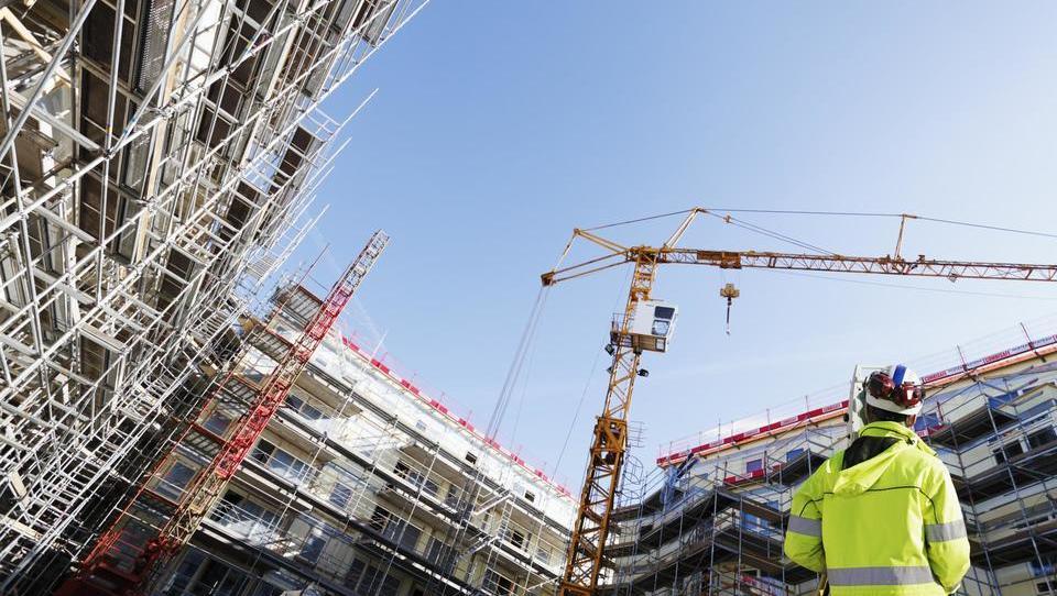 V Sloveniji se letna vrednost gradbenih del lahko spremeni za več...