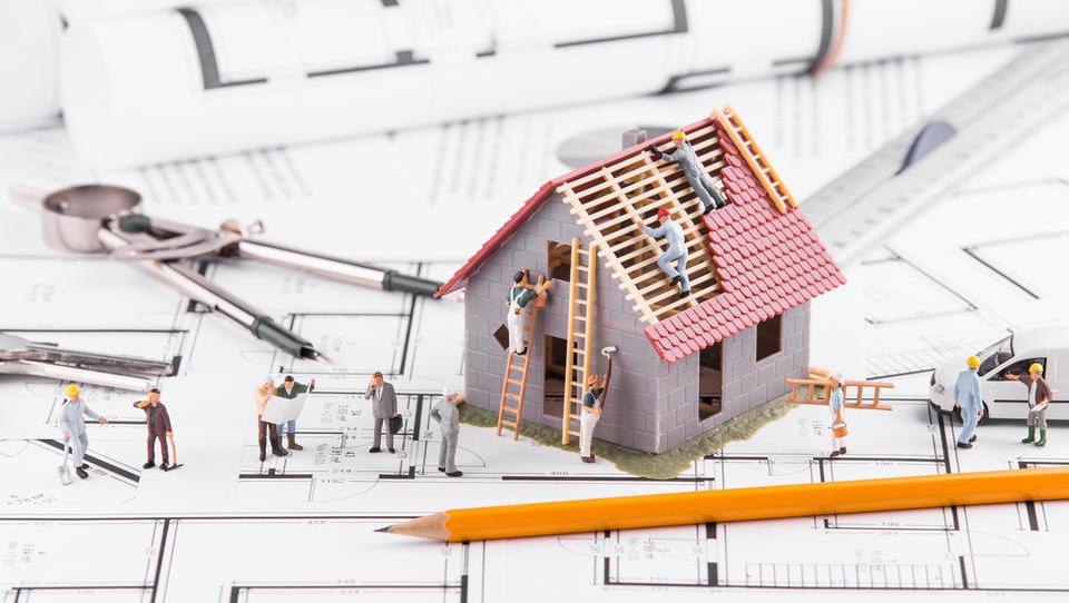 Aprila izdanih 17 odstotkov manj gradbenih dovoljenj za stavbe kot...