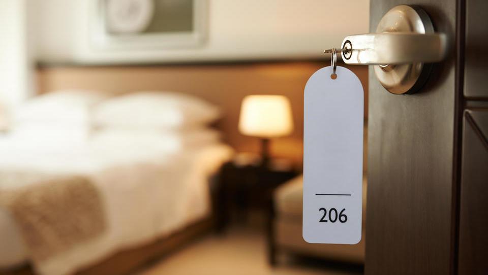 Slovenski bogataši vlagajo v hotele. Zakaj jim dišijo te manj donosne naložbe?