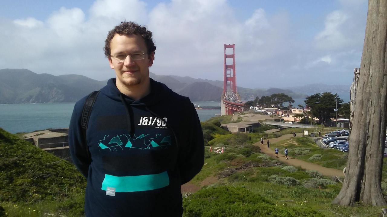 Slovenec, ki se v Silicijevi dolini brezplačno uči programiranja, in kako lahko to uspe tudi vam