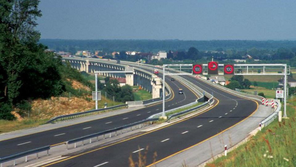 Hitri pregled tedna: Agrokor, dražje cestnine na Hrvaškem in reševanje Alitalie