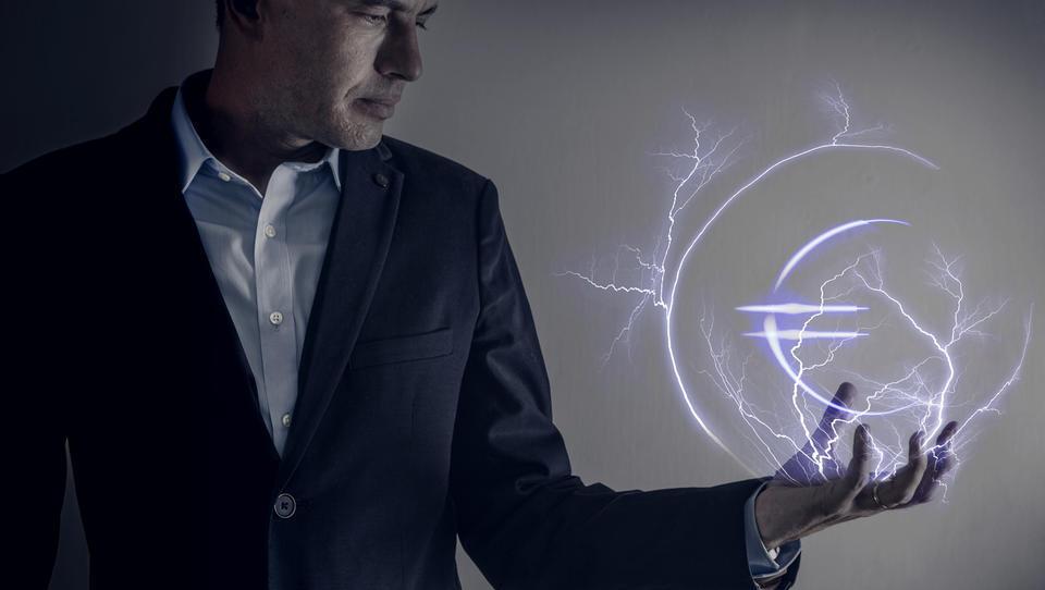 Plače direktorjev v energetiki: Berločnik z najvišjo, v GEN-I največji poviški