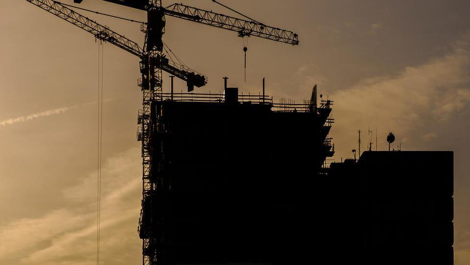 Vrednost gradbenih del novembra na letni ravni nižja za 15 odstotkov