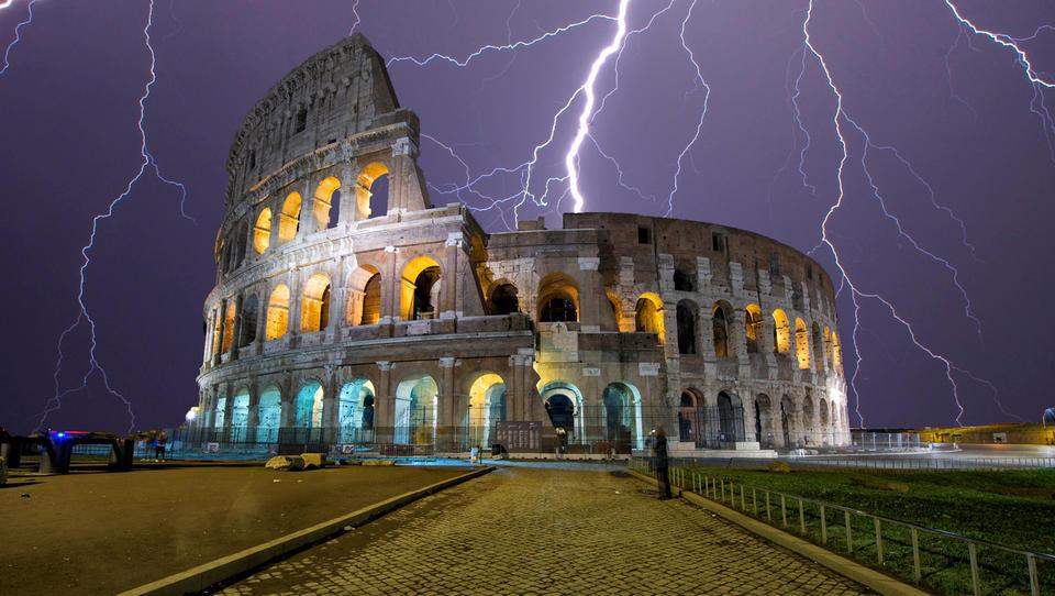 Italiji se obeta tehnična vlada, ki bi jo vodil nekdanji izvršni direktor MDS