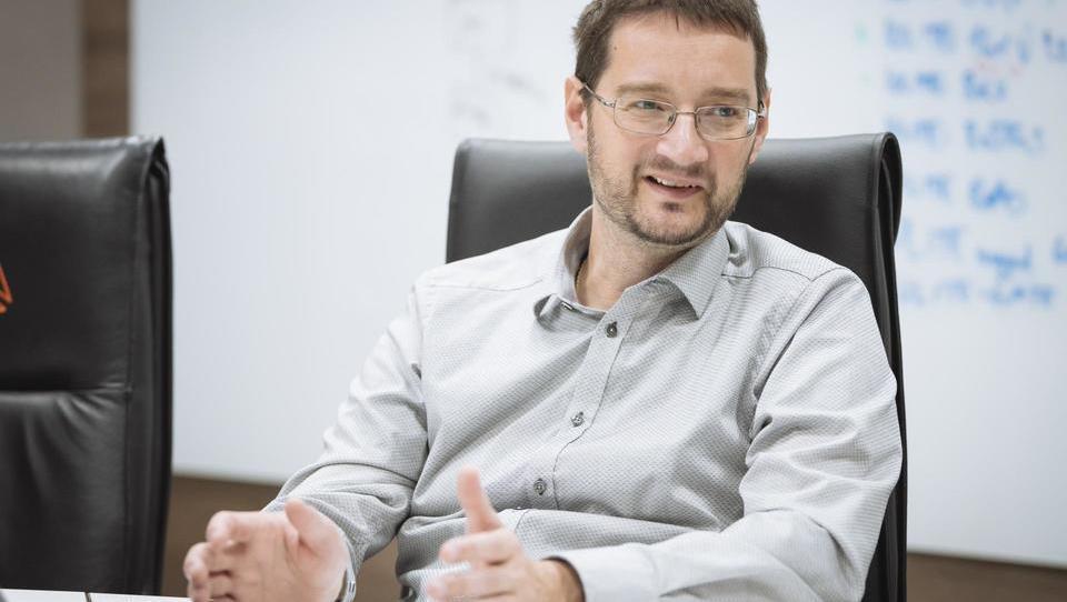 (intervju) Zakaj lastnika Dewesoft pod ceno prodajata zaposlenim – in ali bo vse padlo v vodo?