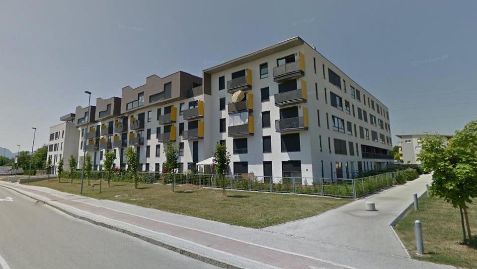 TOP dražbe: Stanovanja v Ljubljani in Kranju, apartma na Pohorju, trgovine KGZ Krpan ...