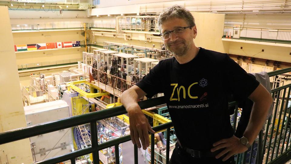 Slovenec, ki z znanstveniki na Japonskem ustvarja »novo fiziko«