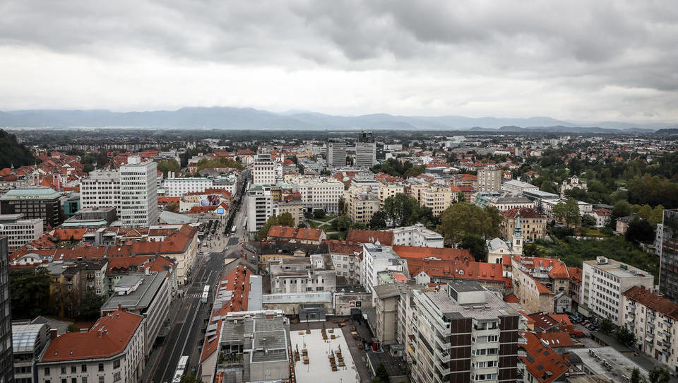 Cene stanovanj norijo – se v Ljubljani nakup sploh še splača?