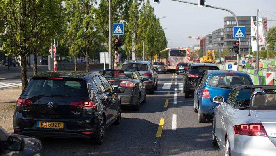 Stanovanjska stiska in prometna zasičenost – trda oreha za novo luksemburško vlado